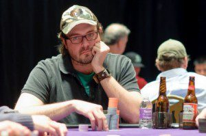 2011 World Series of Poker Day 2: Hansen and Froelich Make Elite 8 of Event #2